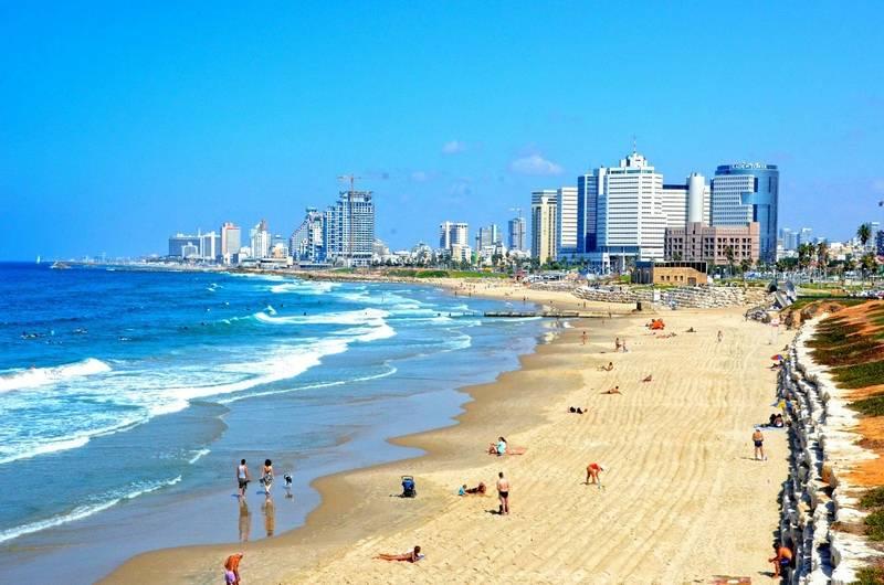 В Ізраїлі достроково відкриють купальний сезон